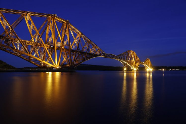 Forth Rail Bridge wide view-min